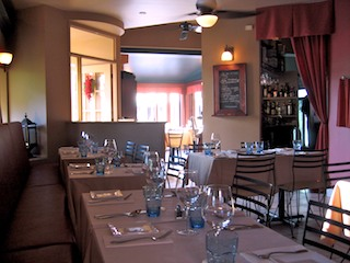 Une table pour deux critiques de restaurants copains for Diner entre copains